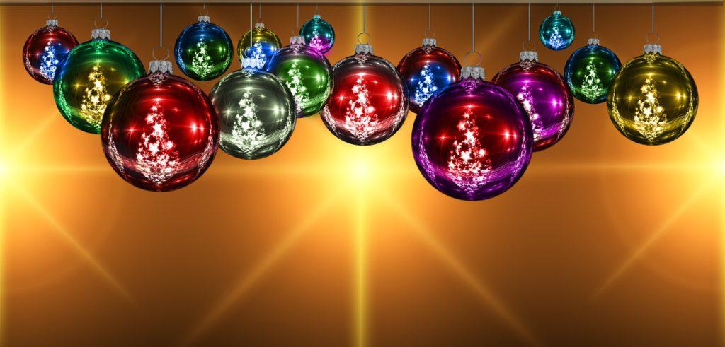 besten weihnachtskugeln f r einen mini weihnachtsbaum. Black Bedroom Furniture Sets. Home Design Ideas